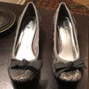 Very Loved Snake Skin Kitten Heel Shoes Sz 8.5